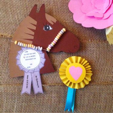 KleineGeschichten-03-Pferdeparty-Kinder-Party-Kinder-Geburtstag-Motto-Party-Einladungskarten-Diy-Pferdegeburstag-Einladungskarten