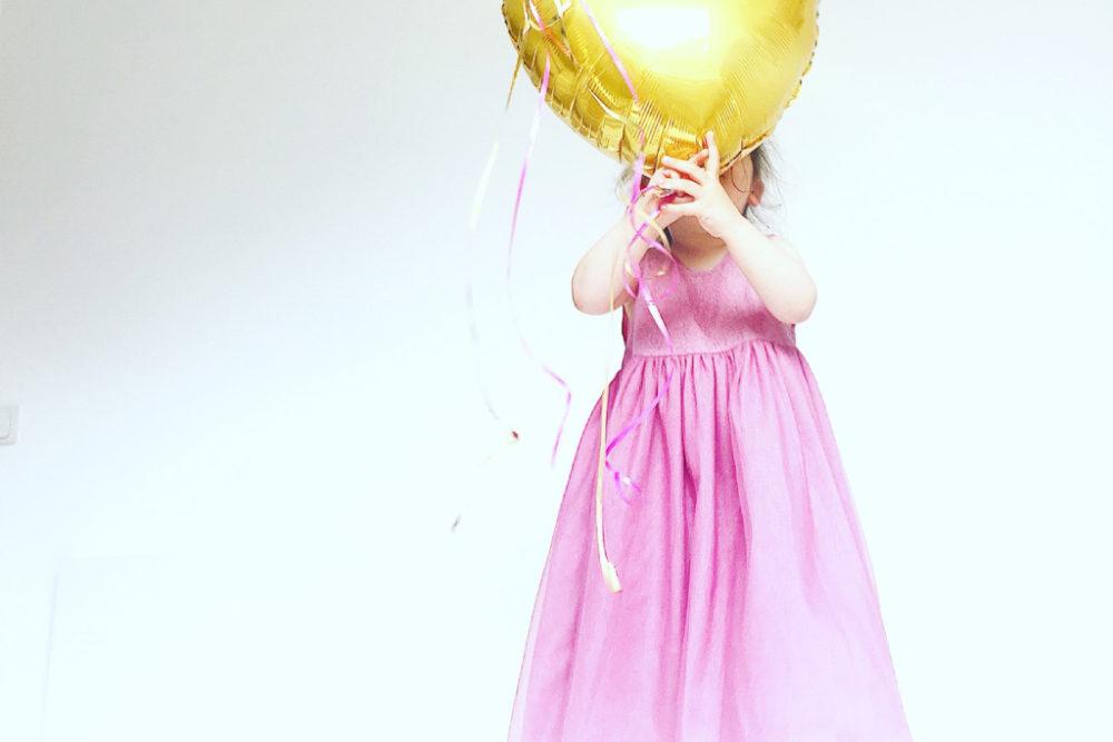 Das schönste Prinzessinen Kleid für kleine Mädchen