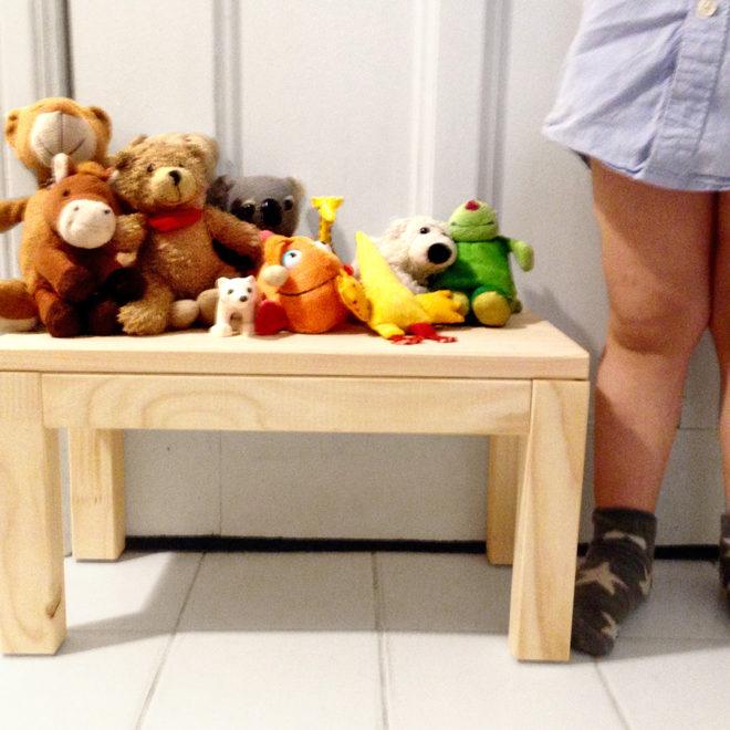 kleiner Hocker, Tritt für Kinder - Anleitung zum selber bauen - der schönste Kinderhocker der Welt