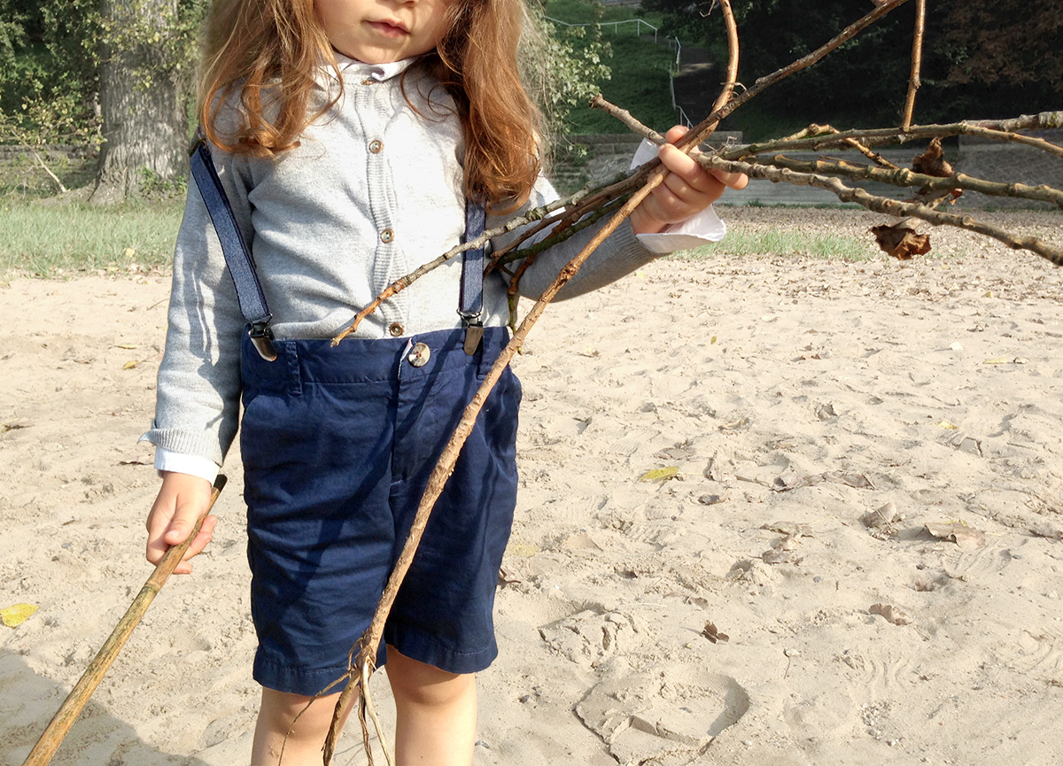 Kleidung Kinder - Herbst - Outfit - Abenteuer Outfit für Kinder - Hand in Hand die Welt entdecken - Kleine Geschichten